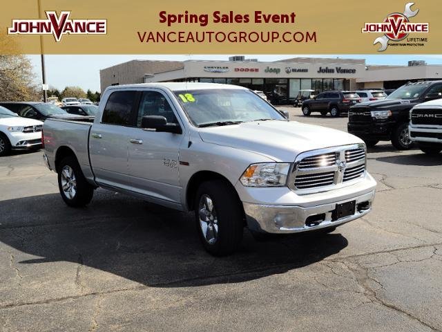 Pre-Owned 2018 Ram 1500 Lone Star 4x4 Crew Cab 5'7 Box
