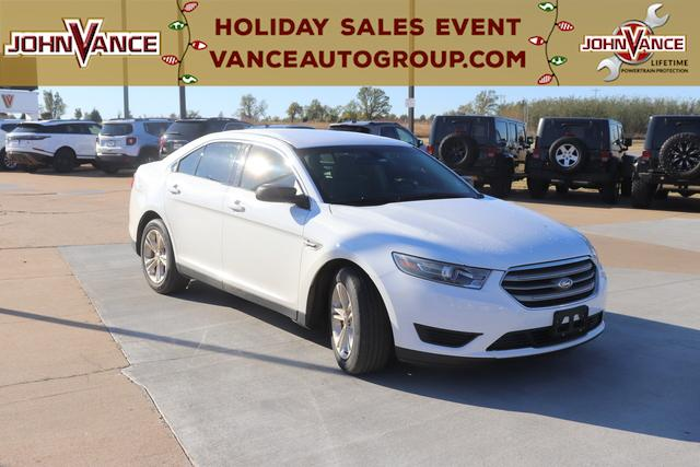 Pre-Owned 2015 Ford Taurus 4dr Sdn SE FWD