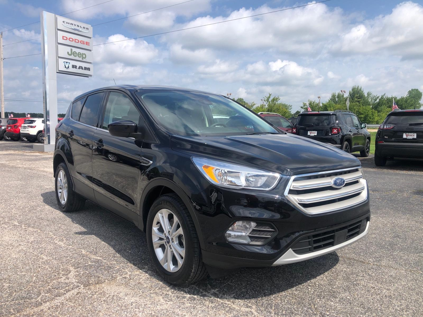 Pre-Owned 2019 Ford Escape SE FWD