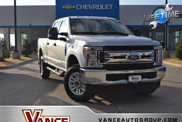 Pre Owned 2017 Ford Super Duty F 250 Srw Xlt 4wd Crew Cab 6 75
