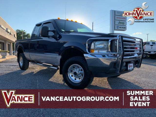 Pre-Owned 2002 Ford Super Duty F-250 Supercab 142 XLT 4WD