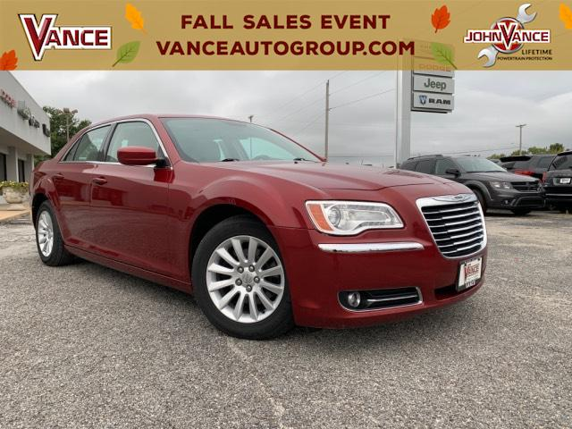 Pre-Owned 2013 Chrysler 300 4dr Sdn RWD