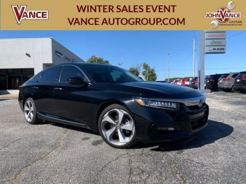 Pre-Owned 2018 Honda Accord Touring 2.0T Auto