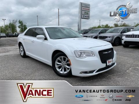 Pre-Owned 2016 Chrysler 300 4dr Sdn Anniversary Edition RWD