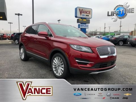 New 2019 Lincoln MKC FWD